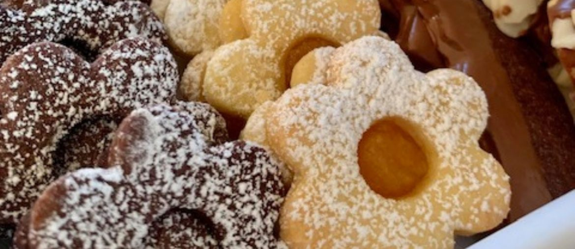 Easy Italian Butter Cookies (12 kinds – same dough!)